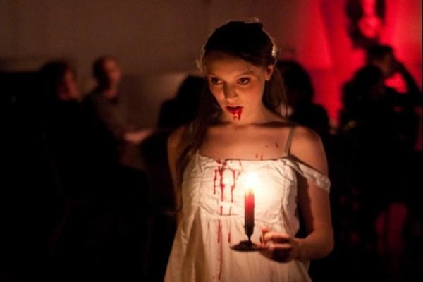 Dracula und seine Gehilfen warten auf Sie.